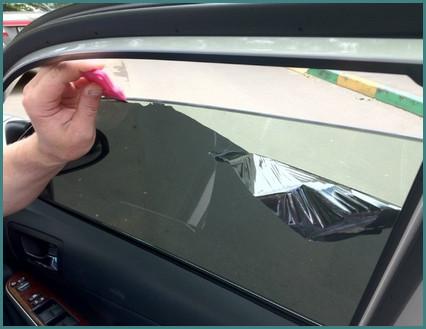 Как снять тонировку со стекла своими руками