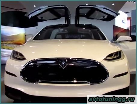 Tesla Model X, обзор-1